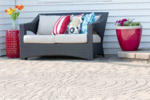 hardsape patio with furniture